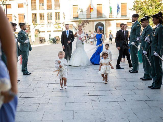 La boda de Saúl y Encarni en Santafe, Granada 33