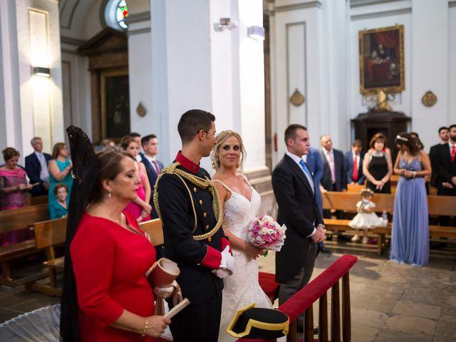 La boda de Saúl y Encarni en Santafe, Granada 36