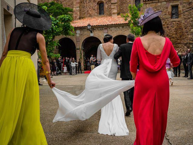 La boda de Gustavo y Laura en Castejon, Navarra 14
