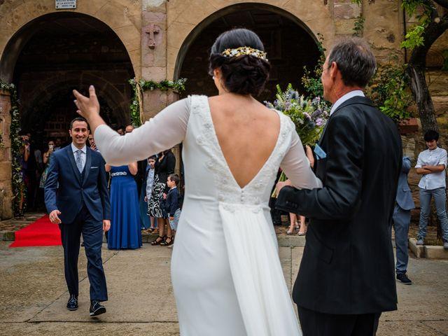 La boda de Gustavo y Laura en Castejon, Navarra 15