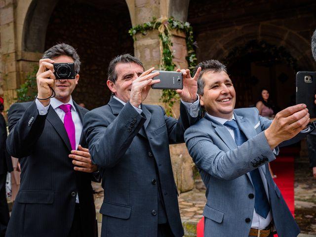 La boda de Gustavo y Laura en Castejon, Navarra 16