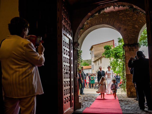 La boda de Gustavo y Laura en Castejon, Navarra 17