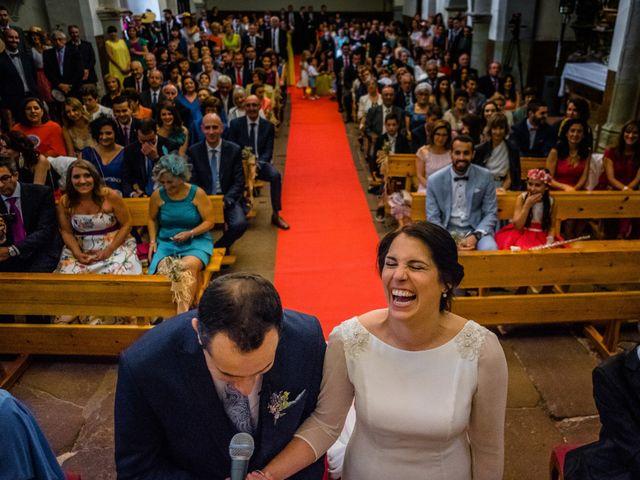La boda de Gustavo y Laura en Castejon, Navarra 19