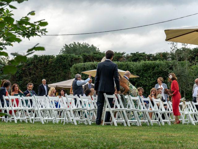 La boda de Juan y Virginia en Gijón, Asturias 22