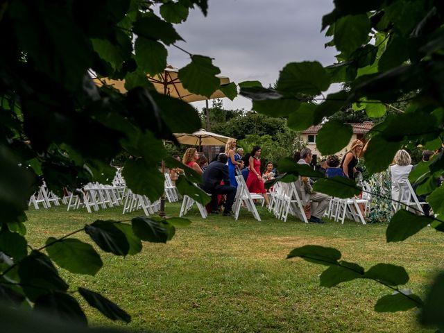 La boda de Juan y Virginia en Gijón, Asturias 23