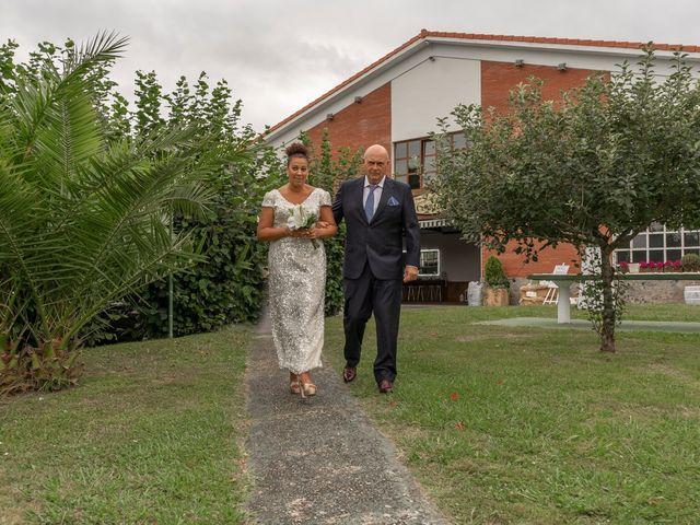 La boda de Juan y Virginia en Gijón, Asturias 38