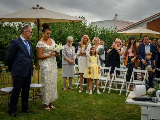La boda de Juan y Virginia en Gijón, Asturias 45