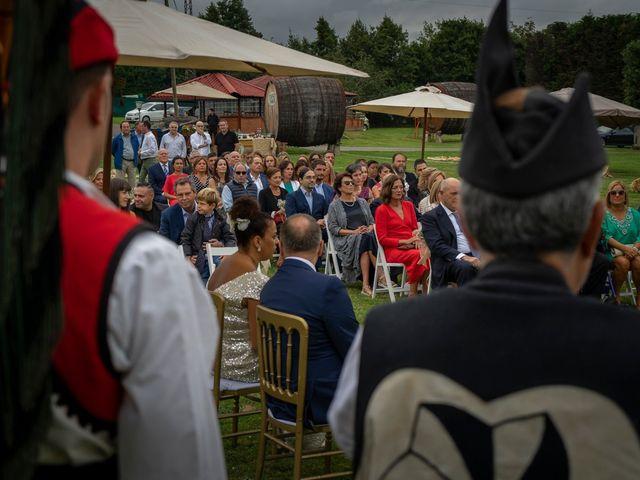La boda de Juan y Virginia en Gijón, Asturias 56