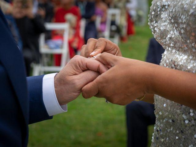 La boda de Juan y Virginia en Gijón, Asturias 100