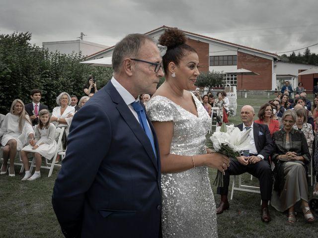 La boda de Juan y Virginia en Gijón, Asturias 102