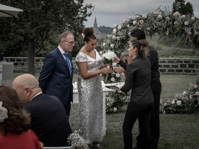 La boda de Juan y Virginia en Gijón, Asturias 110