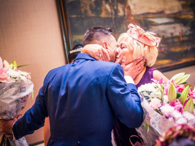 La boda de Carlos y Alba en Boadilla Del Monte, Madrid 87