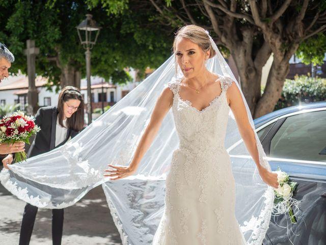 La boda de Angel y Beatriz en Puerto De La Cruz, Santa Cruz de Tenerife 32