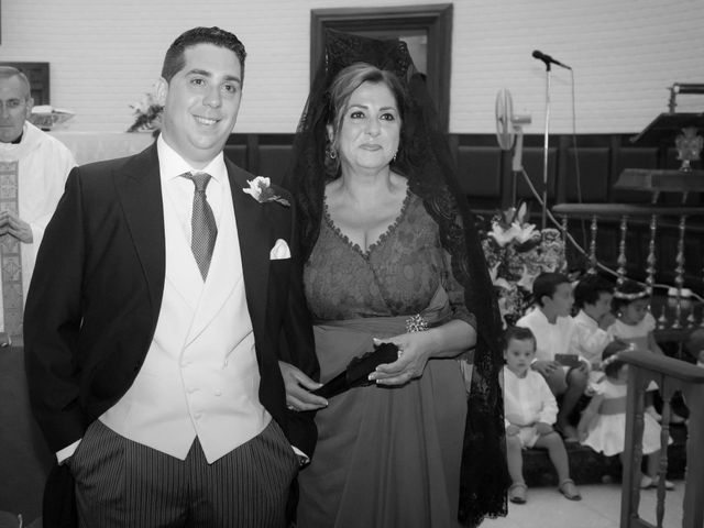 La boda de Martín y Macarena en Algeciras, Cádiz 25