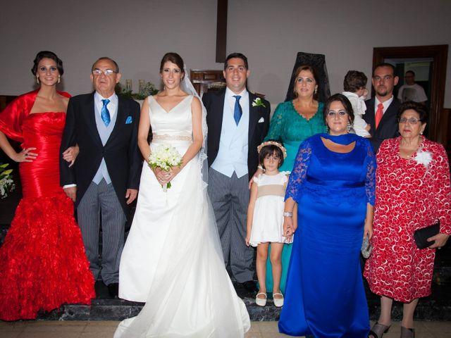 La boda de Martín y Macarena en Algeciras, Cádiz 33