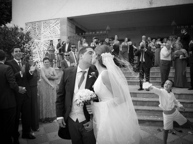 La boda de Martín y Macarena en Algeciras, Cádiz 35