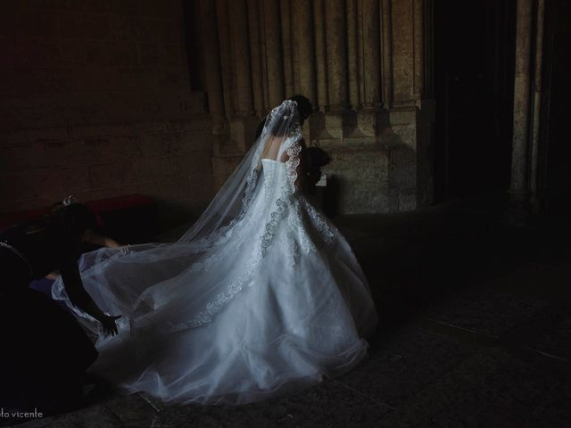 La boda de Roberto y Amparo  en Ciudad Rodrigo, Salamanca 16