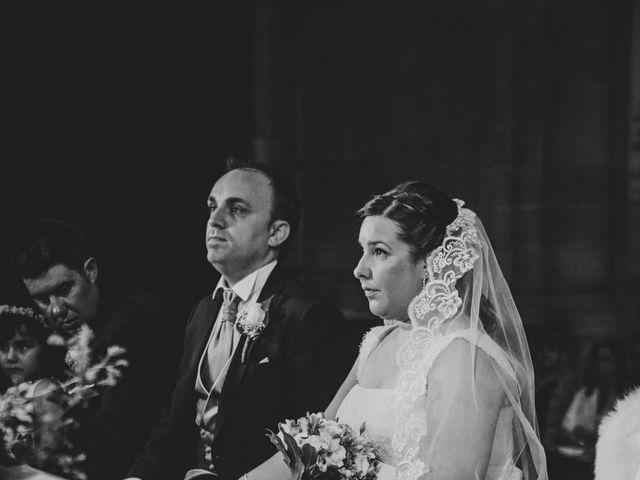 La boda de Roberto y Amparo  en Ciudad Rodrigo, Salamanca 18