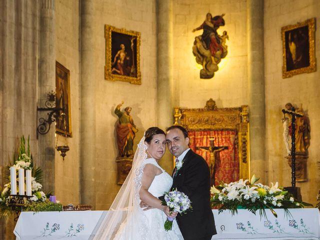 La boda de Roberto y Amparo  en Ciudad Rodrigo, Salamanca 23