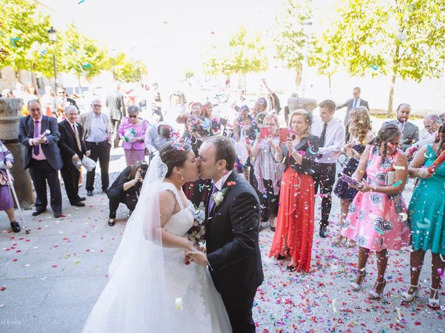 La boda de Roberto y Amparo  en Ciudad Rodrigo, Salamanca 25