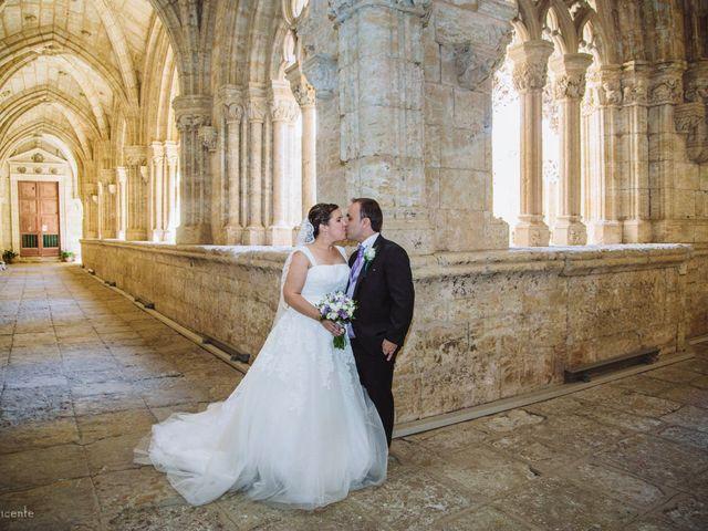 La boda de Roberto y Amparo  en Ciudad Rodrigo, Salamanca 34
