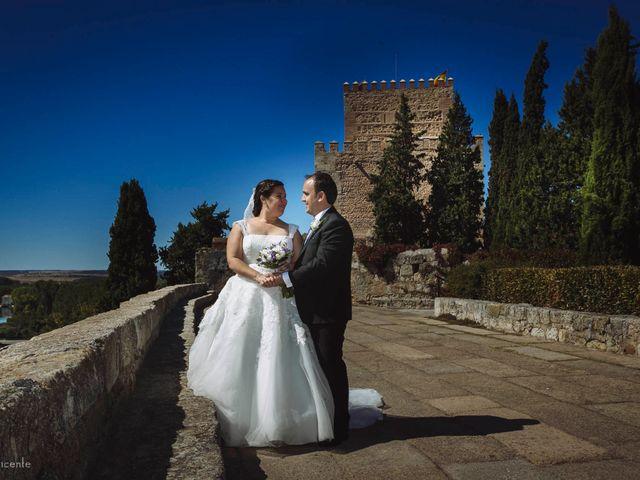 La boda de Roberto y Amparo  en Ciudad Rodrigo, Salamanca 35