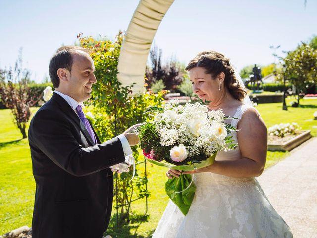 La boda de Roberto y Amparo  en Ciudad Rodrigo, Salamanca 39