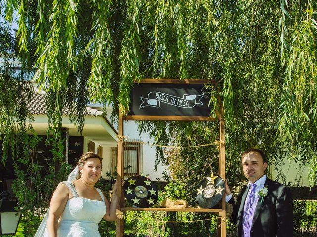 La boda de Roberto y Amparo  en Ciudad Rodrigo, Salamanca 40