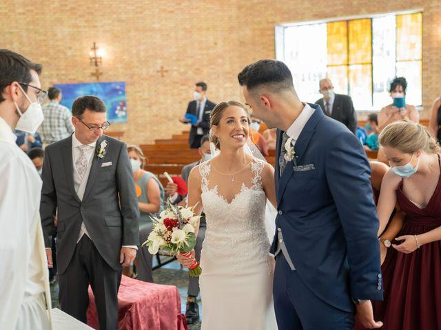 La boda de Lourdes y Yassin en Alhaurin De La Torre, Málaga 24