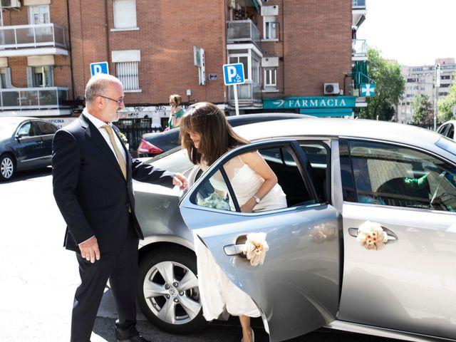 La boda de Ana y Alberto en Madrid, Madrid 26
