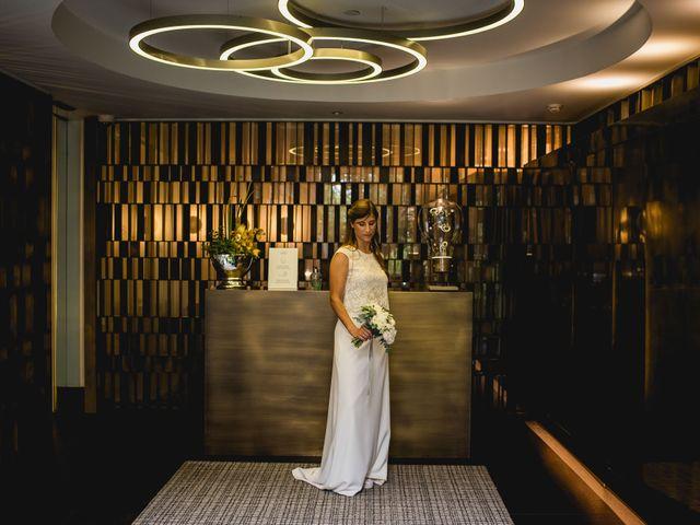 La boda de Xavi y Patricia en Alella, Barcelona 22