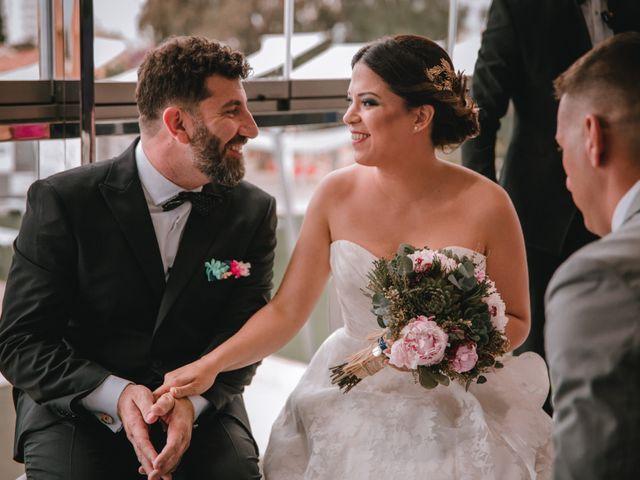 La boda de Davide y Victoria en La/villajoyosa Vila Joiosa, Alicante 15