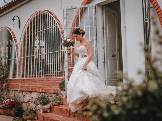 La boda de Davide y Victoria en La/villajoyosa Vila Joiosa, Alicante 25