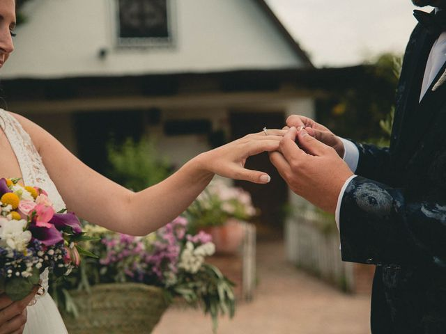 La boda de Miguel y Laura en Turis, Valencia 43