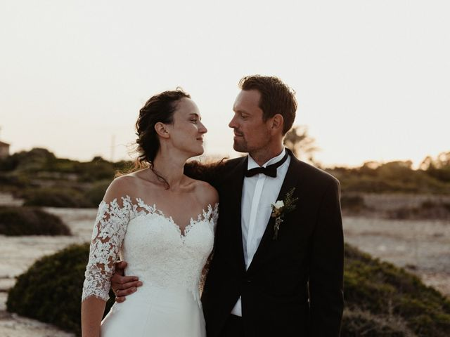 La boda de Oliver y Desidee en Ciutadella De Menorca, Islas Baleares 109