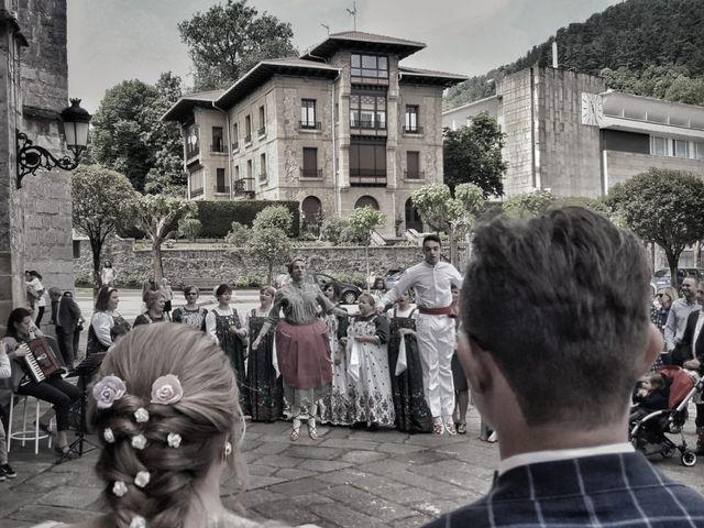 La boda de Paul y Andrea en Gernika-lumo, Vizcaya 1