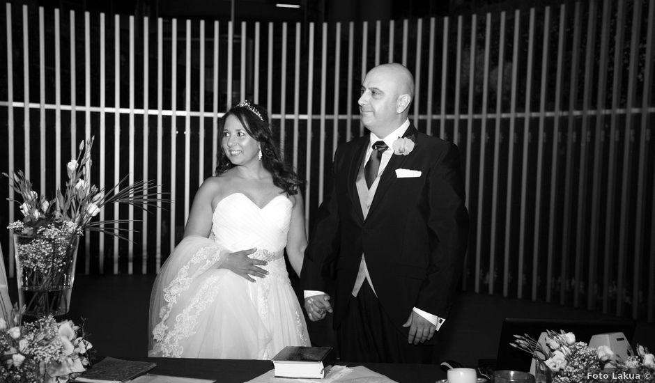 La boda de Javi y Anyi en Vitoria-gasteiz, Álava