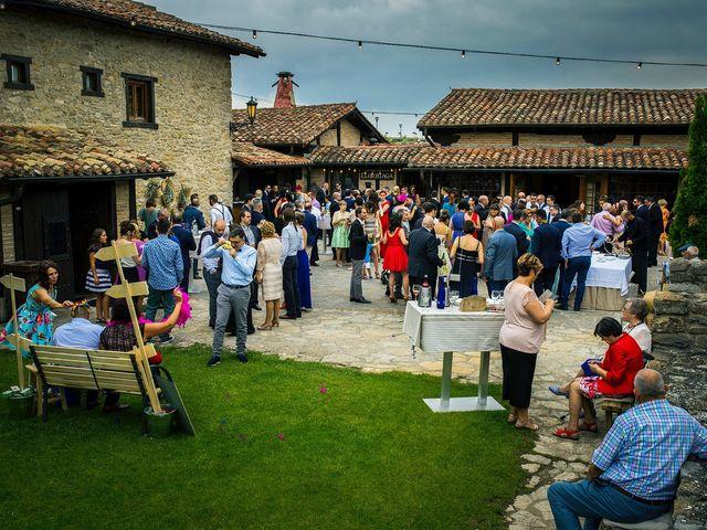 La boda de Eli y Asier en Elorriaga, Álava 37