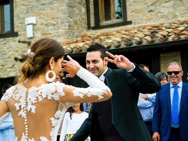 La boda de Eli y Asier en Elorriaga, Álava 51