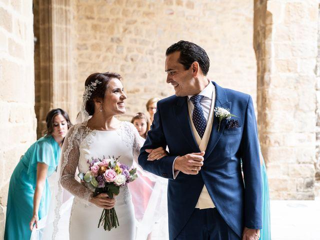 La boda de M. Paqui y Sergio en Torreperogil, Jaén 21