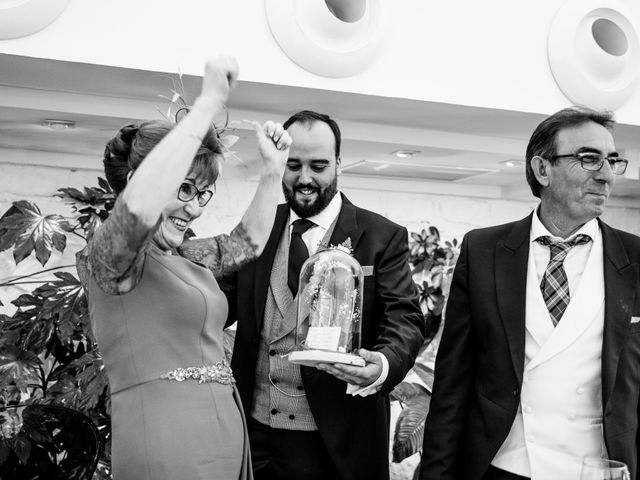 La boda de M. Paqui y Sergio en Torreperogil, Jaén 48