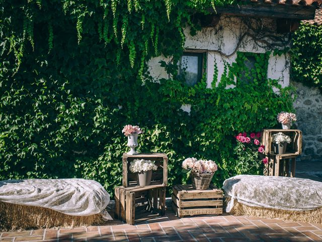 La boda de Juan y Laura en Valdemorillo, Madrid 12
