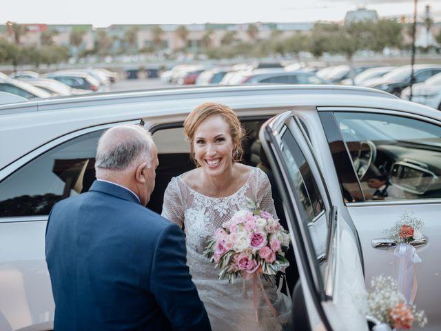 La boda de Miguel y Bélen en Torre Del Mar, Málaga 26
