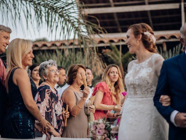 La boda de Miguel y Bélen en Torre Del Mar, Málaga 31