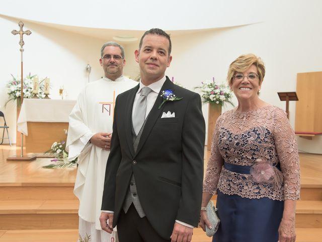 La boda de David y Vanesa en Oviedo, Asturias 12