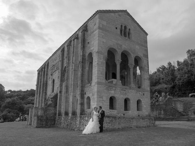 La boda de David y Vanesa en Oviedo, Asturias 29