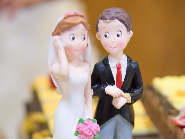 La boda de David y Vanesa en Oviedo, Asturias 42