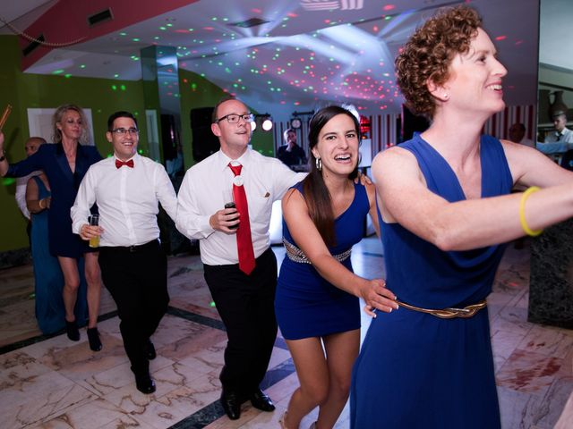 La boda de David y Vanesa en Oviedo, Asturias 57