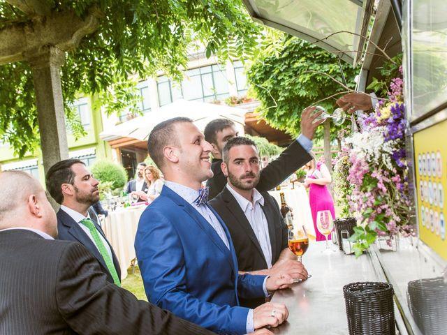 La boda de David y Vanesa en Oviedo, Asturias 38
