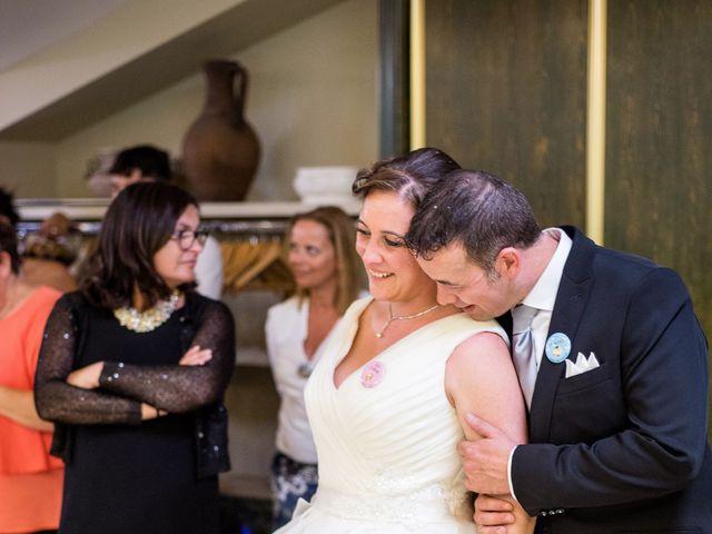 La boda de David y Vanesa en Oviedo, Asturias 32